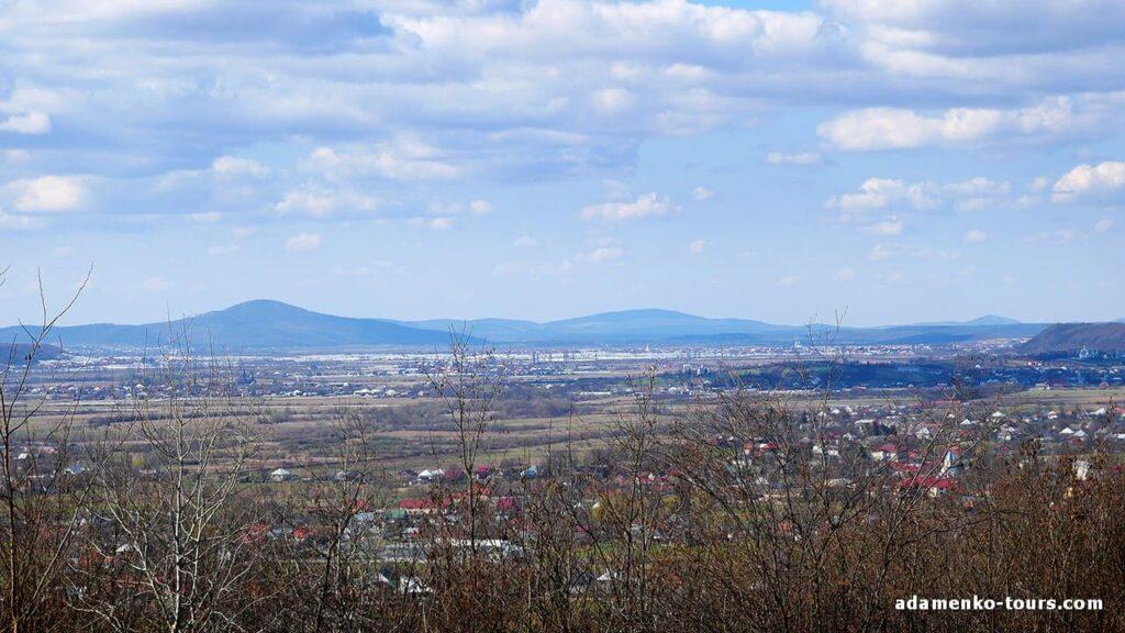 Белки. Древнее городище. Вид на Боржавскую долину.