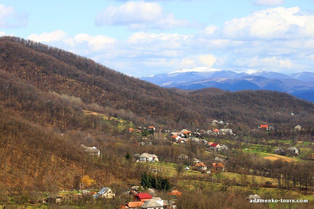 Белки. Древнее городище. Вид на гору Стой.