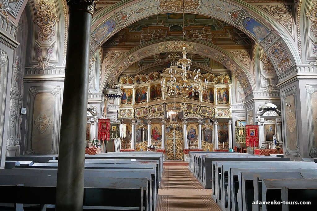 Белки. Греко-католическая церковь Святоуспения Пресвятой Богородицы.
